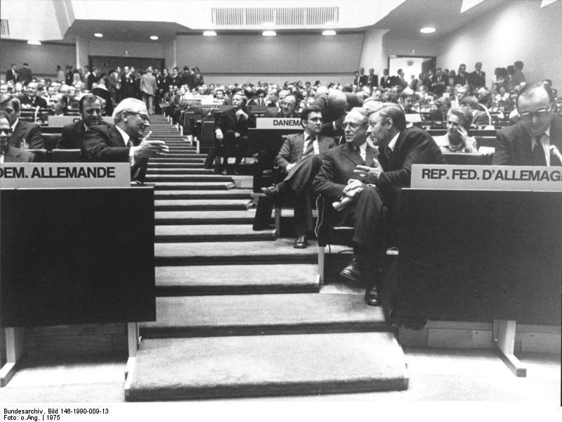 bundesarchivbild146199000913helsinkikszekonferenz.jpg